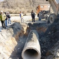 ქუთაისი-წყალტუბო-ლენტეხი-ლასდილი ს/გზის რეაბილიტაცია ახალი წყალგამტარი მილის მონტაჟი